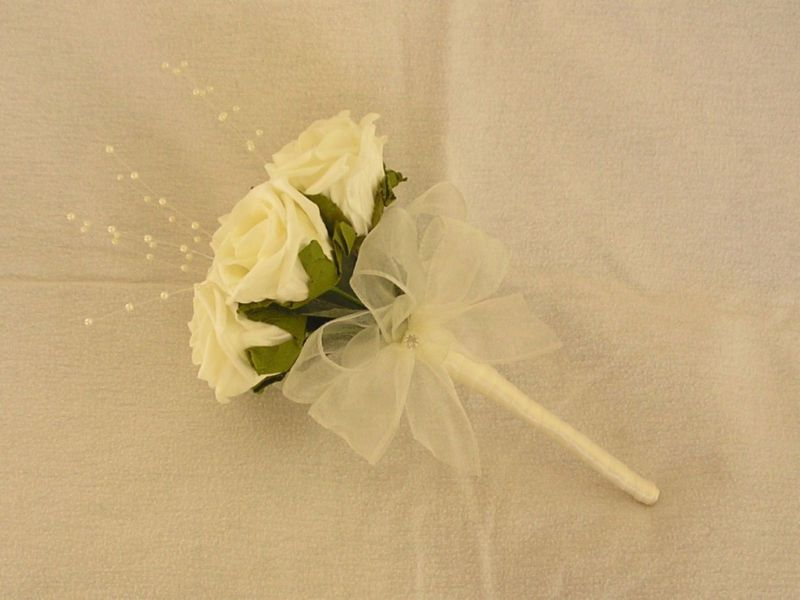 ARTIFICIAL IVORY FOAM ROSE WEDDING FLOWERS BOUQUET FLOWER GIRL WAND ...