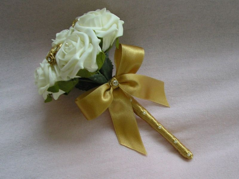 ARTIFICIAL IVORY GOLD FOAM ROSE WEDDING FLOWERS BOUQUET FLOWER GIRL WAND